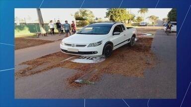 Policial invade rua e passa sobre tapete de Corpus Christi em Ji-Paraná - Homem alegou ter destruído tapete por ser de outra religião e não concordar com a comemoração.