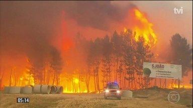 Incêndio que provocou 62 mortes em Portugal ainda não foi controlado - Incêndio florestal é considerado uma das maiores tragédias da história recente do país.