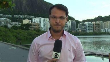 G1 no Bom Dia Rio: servidores sofrem com depressão e dívidas - O estado de calamidade financeira do estado já dura um ano. Mais de 200 mil servidores ativos, inativos e pensionistas ainda não receberam nem o salário de abril.