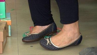 Venda de calçados sobe na época do São João - Sapatarias comemoram bons resultados.