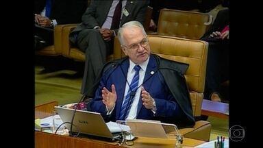 STF indica que deve manter regra sobre delação premiada da JBS - O Supremo Tribunal Federal retoma nesta quinta-feira (22) o julgamento que analisa a validade do acordo de delação da JBS. Por enquanto, dois ministros votaram pela permanência de Edson Fachin como relator do caso.