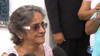 Corpo de irmã de Bethânia e Caetano vai ser enterrado neste sábado (24) em Salvador - Clara Veloso morreu na noite de sexta-feira (23) em Santo Amaro, no recôncavo baiano.