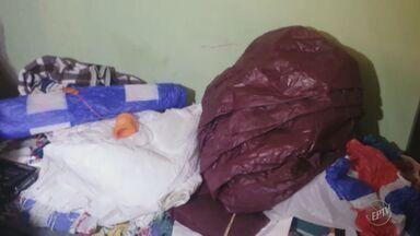 Polícia Ambiental faz operação de combate à fabricação de balões em Campinas - Dois mandatos de busca estão sendo cumpridos no bairro Satélite Íris.