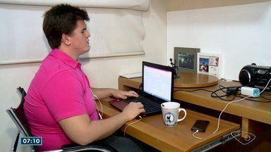 Deficiente visual do ES é aprovado para fazer mestrado em 3 universidades na Inglaterra - Ele ganhou bolsa e vai estudar em Oxford.