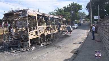 Moradores da Vila União continuam sem ônibus após onda de violência na comunidade - Moradores da Vila União continuam sem ônibus após onda de violência na comunidade