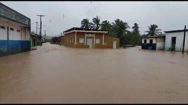 Cidades da Mata Sul voltam a sofrer com alagamentos - Rio Formoso foi o município onde mais choveu nas últimas horas, segundo a Apac.