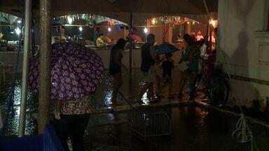 Chuvas cancelam semi-final do concurso de Coco de Roda em Maceió - Evento foi adiado para esta quinta-feira.