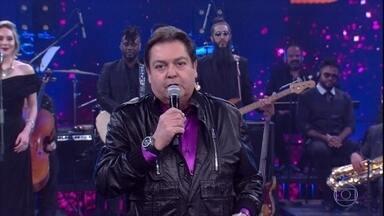 Faustão anuncia a final do 'Show dos Famosos' - Os jurados Caludia Raia, Miguel Falabella e Silvio de Abreu entram para a grande final