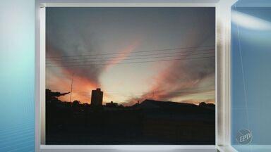'Na Janela': telespectador fotografa pôr do sol colorido em Americana - Registro foi feito na tarde de segunda-feira (3).
