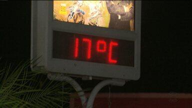 Campina Grande registra baixas temperaturas no início de julho - Segunda-feira (03) foi considerado o dia mais frio de 2017. A temperatura chegou a 18 graus.