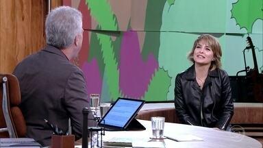 Cláudia Abreu conversa com Bial sobre peça de Maria Clara Machado - Atriz participou de montagens de 'Pluft, O Fantasminha'. Ela também revela como os filhos a ajudaram na criação de 'Valentins'