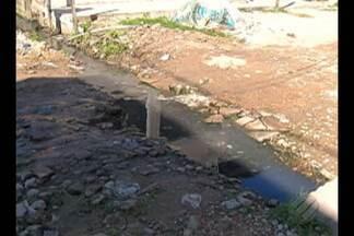 Na comunidade de Maracangalha, moradores convivem com a falta de saneamento - Na comunidade de Maracangalha, moradores convivem com a falta de saneamento