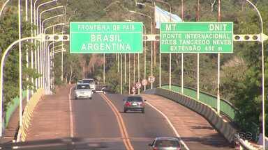 Carteira de Habilitação tem valor de identidade, mesmo vencida - Só que para entrar em Porto Iguaçu, na Argentina, ou conhecer as Cataratas do outro lado da fronteira, o documento não pode estar fora do prazo de validade.