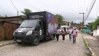 Saiba como se inscrever para receber gratuitamente o kit digital - Patrulha Digital orientou moradores de Camaragibe, no Grande Recife.