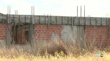 Prédio novo de escola estadual em Santa Terezinha de Itaipu deve finalmente ser construído - A obra deveria ser entregue há dois anos e está parada. A empresa responsável pela construção é investigada na operação Quadro Negro.