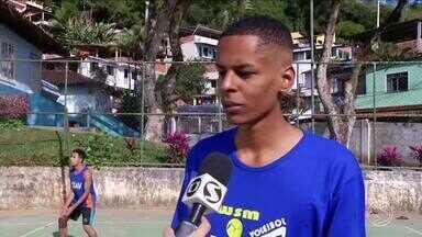 Jovem de Angra dos Reis se destaca no vôlei e é contratado por time francês - Ele sempre gostou de praticar o esporte com os amigos e quando menos esperava, recebeu uma proposta.