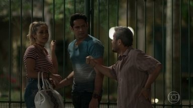 Aníbal mente para Sandra Helena - Sandra Helena reclama de Cíntia para Agnaldo. Ela fica chateada por perder a pulseira que ganhou de Agnaldo