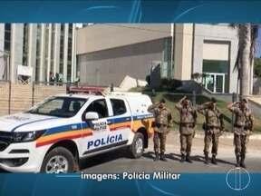Policiais militares fazem homenagem para policial morto por assaltantes em Santa Margarida - Em Montes Claros, as homenagens foram feitas em vários pontos.