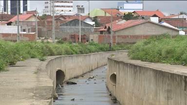 Defesa Civil monitora áreas de risco em Campina Grande - Uma das áreas é um canal que fica no Distrito dos Mecânicos.