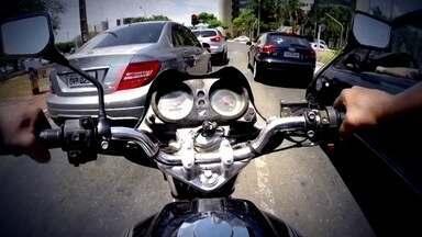 Acidentes com motociclistas têm aumentando no DF - A cada três vítimas de acidente de trânsito, três estavam de moto.