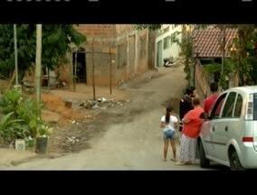 Moradores do bairro Veneza, em Ipatinga, reclamam de falta de pavimentação nas ruas. - Moradores reclamam que foi prometida há muito tempo a pavimentação, porém, até hoje não aconteceu. Eles pedem providências dos órgãos públicos.