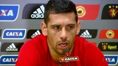 Após decidir ficar no Sport, Diego Souza mostra mágoa com a diretoria - Após decidir ficar no Sport, Diego Souza mostra mágoa com a diretoria