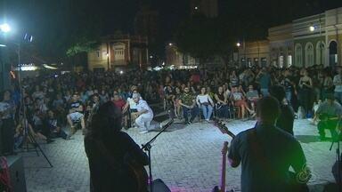 Evento em Manaus celebra Dia do Rock - Amante do gênero comemoraram no largo São Sebastião.