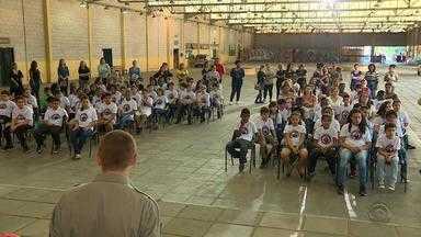 Programa Educacional de Resistência às Drogas completa 19 anos - Projeto da Brigada Militar é voltado para estudantes.