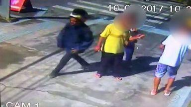 Polícia divulga vídeo de suspeito de balear empresário durante assalto na Serra, ES - O empresário Luiz Rizzo, sócio da rede de supermercados Multishow, foi baleado na manhã desta segunda-feira (10), perto do Banco do Brasil.
