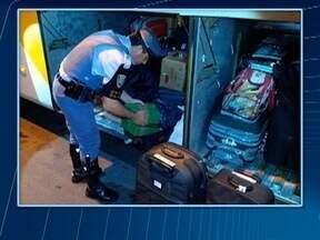Adolescente é apreendida com mais de 15 quilos de maconha - Menor estava em um ônibus, em Presidente Epitácio.