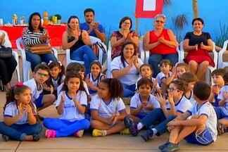 Escola em Uberaba realiza encontro de gerações - Ação celebrou de forma antecipada o Dia dos Avós.