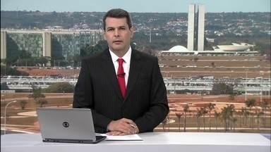 DFTV Primeira Edição - Edição de sexta-feira, 14/07/2017 - Frentista de posto da Asa Sul é preso por clonagem de cartão de clientes. Fogo destrói viatura da polícia no centro de Brasília, E mais as notícias da manhã.