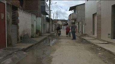 Moradores do bairro Glória reclamam da falta de drenagem em ruas - A Rua Projetada também não tem CEP.