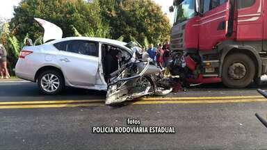 Pai e filho morrem em grave acidente na PR-092 hoje de manhã - O acidente foi entre Wescelau Braz e Siqueira Campos.