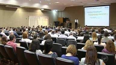 Encontro em Bauru debate impacto da reforma trabalhista - Evento reunindo profissionais de RH, trabalhadores, empresários e especialistas na nova lei debateu o que vai mudar na vida dos brasileiros depois da reforma trabalhista aprovada na última quarta-feira.