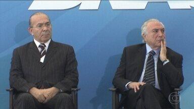 Preocupação do governo é acomodar partidos que mostraram fidelidade - Centrão quer mais espaço no governo e critica ministérios do PSDB. Articuladores tentam acalmar os que pedem retaliação aos tucanos.