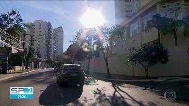 Problemas respiratórios aumentam com tempo seco e poluição - Paulistanos sofrem com o aumento dos problemas respiratórios, devido ao tempo seco e a poluição.