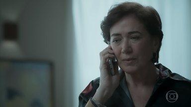 Silvana desconfia de Irene e decide conversar com Joyce - Caio aconselha Eugênio a revelar o seu relacionamento com Irene
