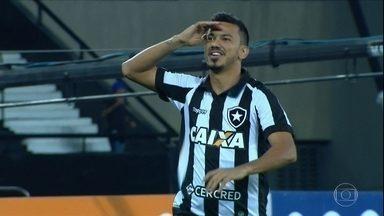 Botafogo bate Sport e volta para o G-6 do Brasileirão - Botafogo bate Sport e volta para o G-6 do Brasileirão