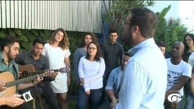 Show gospel érealizado nesta terça-feira (18), em Maceió - Grupo é montado por alunos e ex-alunos de uma universidade em São Paulo.