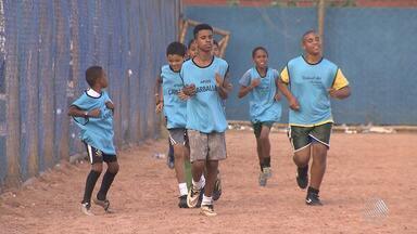 No dia do futebol, Eduardo Oliveira conta histórias de apaixonados pelo esporte - Veja a reportagem especial de Eduardo Oliveira.