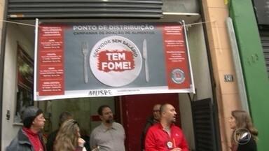 Governador Luiz Fernando Pezão suspende licença para encontro com presidente Temer - Reunião vai discutir crises financeira e da segurança no Rio. Pelo terceiro dia copnsecutivo servidores do estado enfrentam fila para receber doação de cesta básica