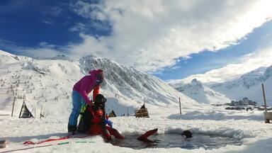 Mergulho No Lago Congelado
