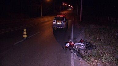 Motociclista morre em acidente em Contagem - De acordo com a Polícia Militar Rodoviária, a suspeita é que o motociclista perdeu o controle da direção e caiu.