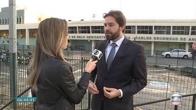 Advogado fala sobre regras de programas de milhagens - Companhias áreas trocam pontos por passagens. Veja entrevista com Leonardo Velloso.
