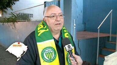 Gaúchos de diversas regiões homenageiam Paulo Sant`Ana - Assista ao vídeo.