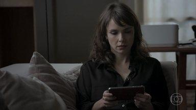 Irene se vinga de Silvana e deixa Eurico furioso - Cibele tenta acalmar o empresário. Nonato consegue mandar a foto de Silvana para o seu celular