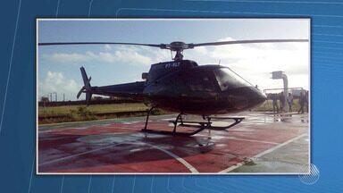 Correção: helicóptero que fez pouso forçado no interior voava com autorização - O helicóptero levava o deputado e presidente da Assembleia Legislativa, Angelo Coronel. O piloto da aeronave fez o pouso forçado por conta do vento forte na região de Castro Alves.