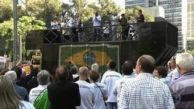 Manifestantes fazem protesto em São Paulo contra a corrupção - Ato, convocado pelas redes sociais pelo movimento Quero Um Brasil Ético, também manifestava apoio à Operação Lava Jato.