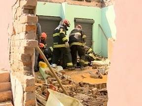 Desabamento de parede deixa homem ferido em Presidente Prudente - Vítima foi atendida pelo Corpo de Bombeiros.